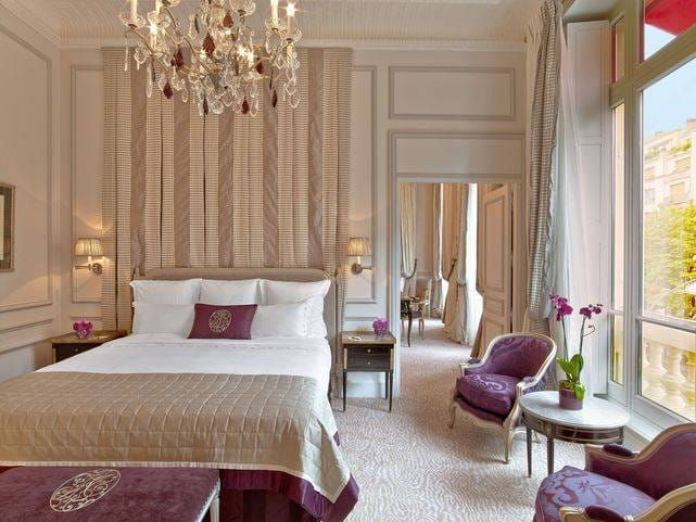 Suites and Rooms at the Plaza Athénée