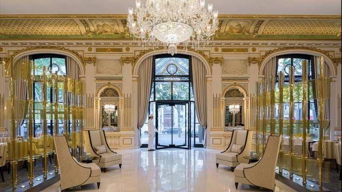 le-lobby-restaurant-entrance